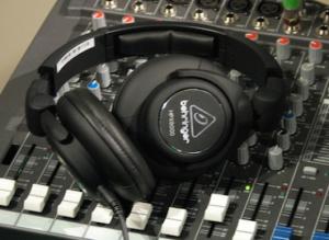 Behringer_HPX6000_Headphones